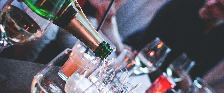 Hoe maakt alcohol je dronken? We leggen even uit