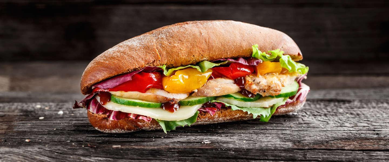 Man doet er 6 maanden over om een chicken sandwich te maken