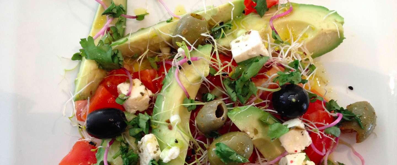 In 5 minuten een lekkere en gezonde salade om mee te nemen naar je werk
