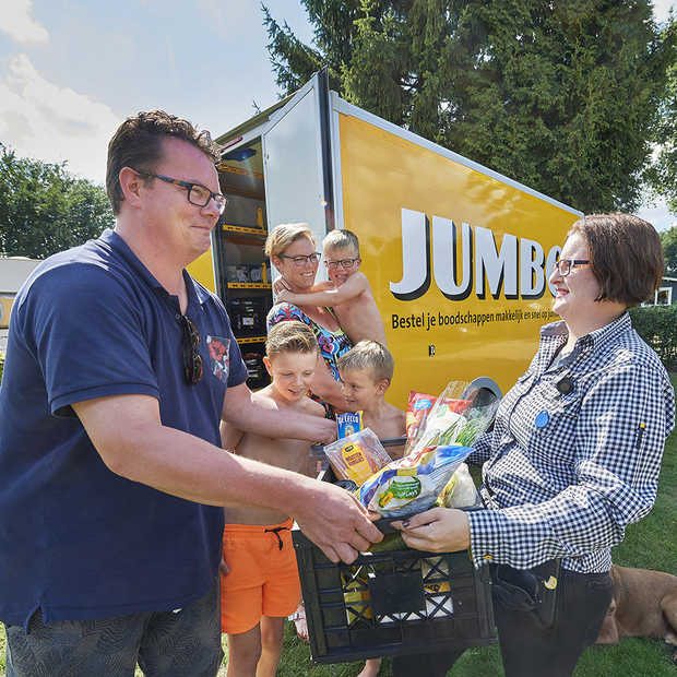 Jumbo opent in Uden het eerste Camping Pick Up Point