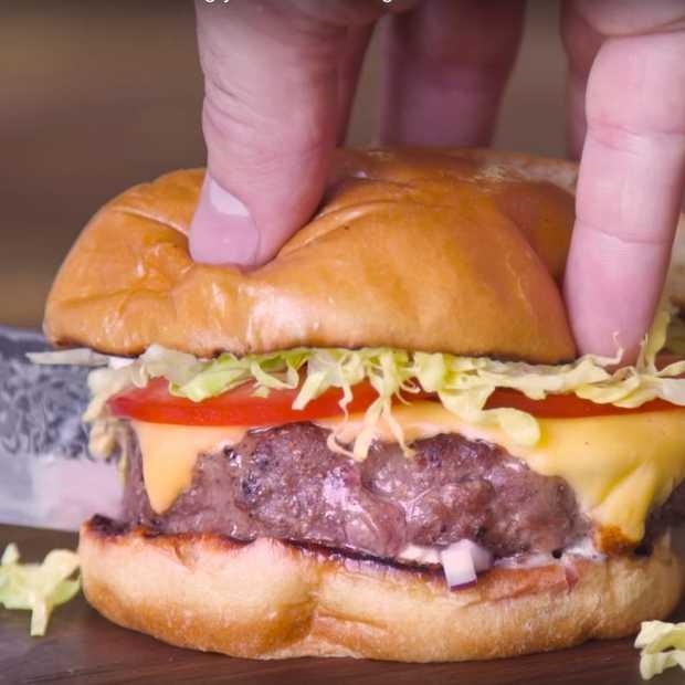 Zo maak je de perfecte hamburger om indruk te maken op je vrienden!