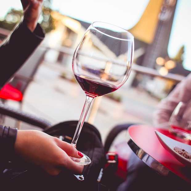 Portretten na één, twee en drie glazen wijn