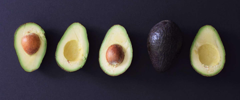 Avocado's blijven twee keer zo lang vers door nieuwe spray