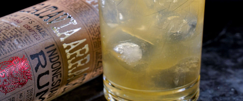 By the Dutch lanceert nieuwe witte rum 'Batavia Arrack'