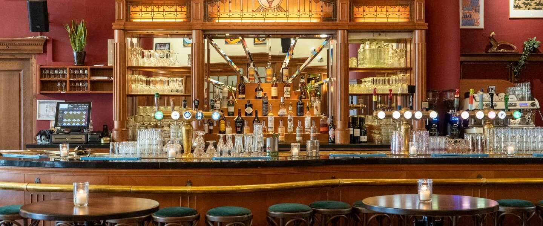 Het Amsterdamse Café Kuyl is een klassieke bruine kroeg met een urban randje
