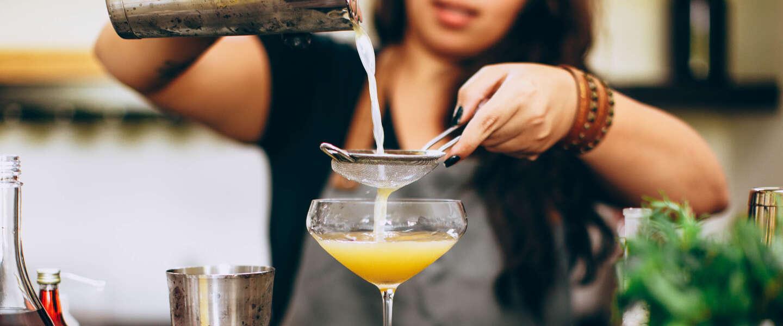 World Cocktail Day: 5 klassieke cocktails die nooit vervelen