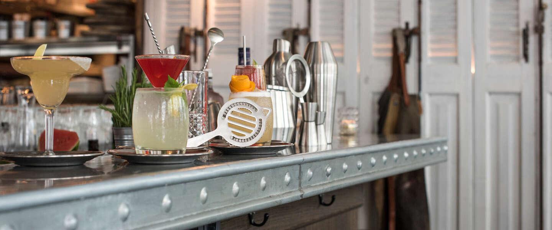 Dit heb je nodig om thuis cocktails te maken