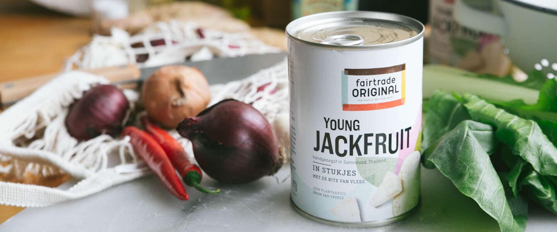 Smokey Jackfruit gyros met romige koolrabi-appel tzatziki
