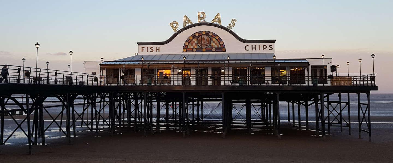 Zo eet Queen Elizabeth II iedere vrijdagmiddag het liefst Fish & Chips