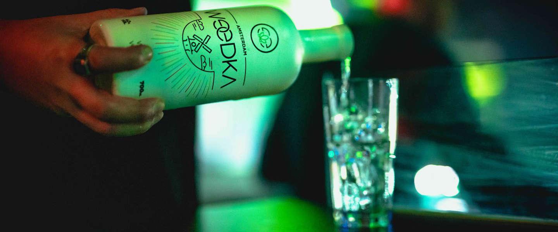 Zo smaakt Weedka; de Amsterdamse wodka infused met cannabis
