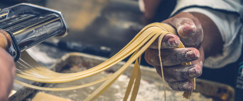 Heb je olijfolie en zout nodig om pasta te koken?
