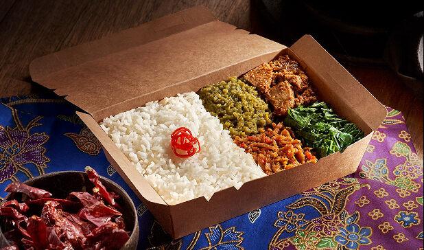 Nasi+Padang+Beef+Rendang_