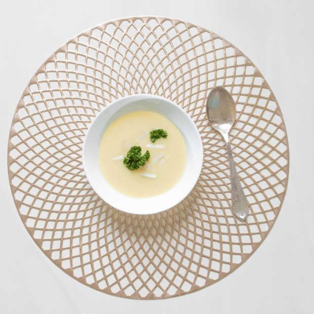 Zo gebruik je asperges van kop tot kont in een heerlijke aspergesoep
