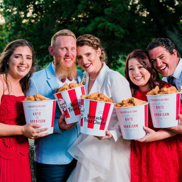 Australisch koppel trouwt op eerste officiële KFC-bruiloft ter wereld