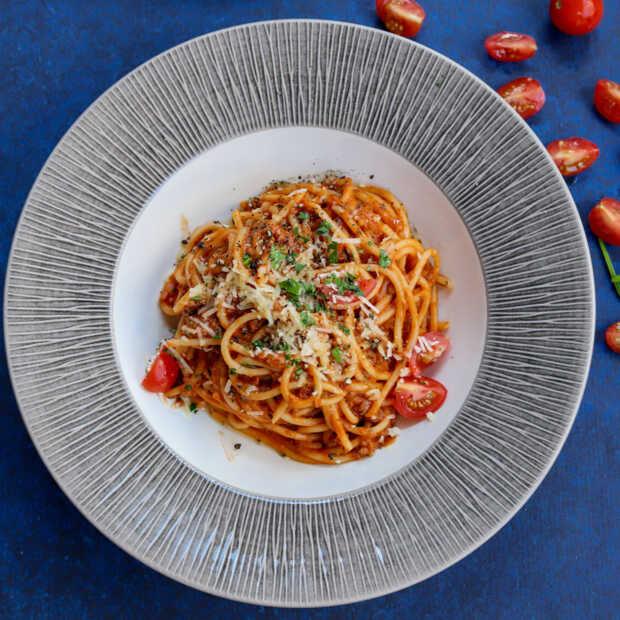 Vegan Ragù alla Bolognese met courgette spaghetti