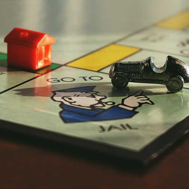 Op Monopoly geïnspireerde bar heeft in Londen de deuren geopend