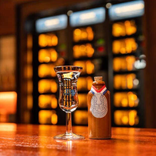 Cocktailbar 'Dutch Courage' opent de deuren op de Amsterdamse Zeedijk
