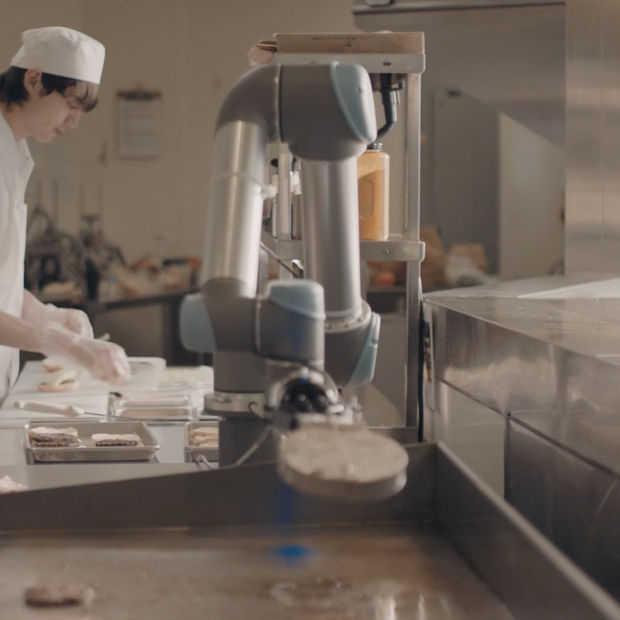 Flippy: deze burgerbakkende robot gaat de jeugd baantjes kosten