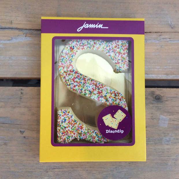 Dit zijn wel heel bijzondere chocoladeletter smaken!