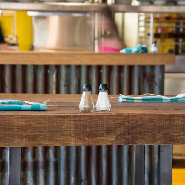 Meter kapsalon megahit voor cafetaria in Breda