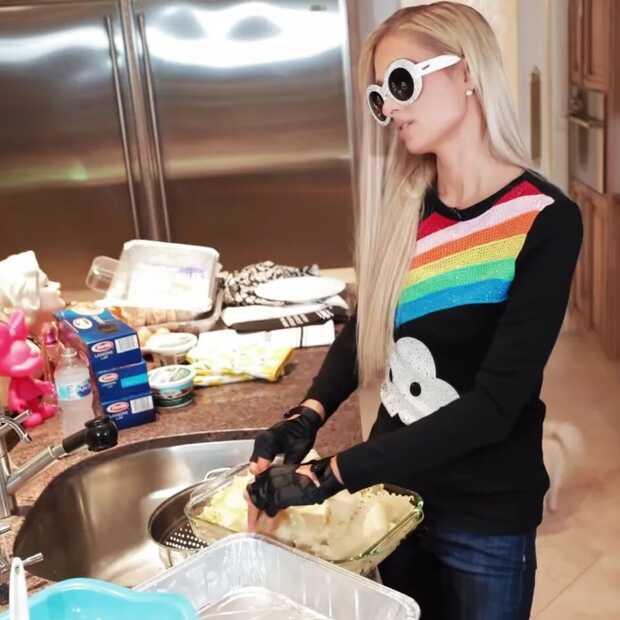 Paris Hilton krijgt een eigen kookshow op Netflix; première op 4 augustus
