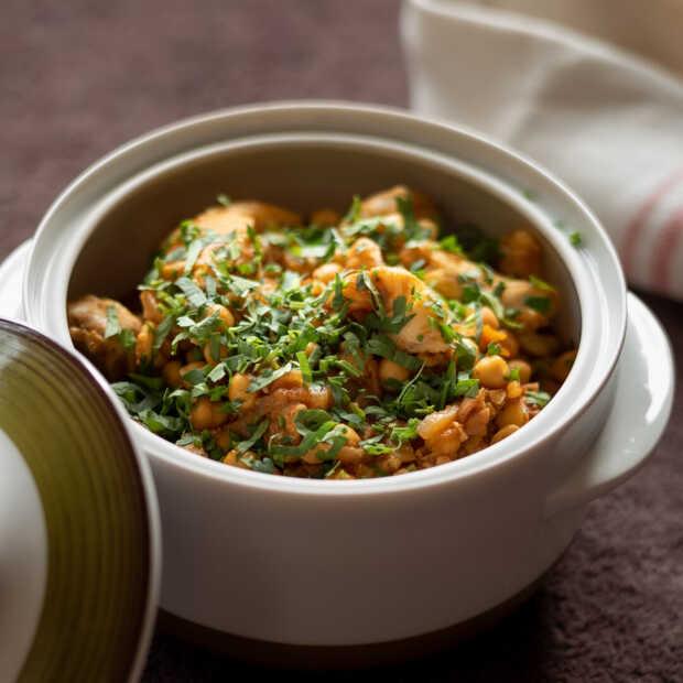 Koolvis met kikkererwten en harissa uit het Kikkererwtenkookboek