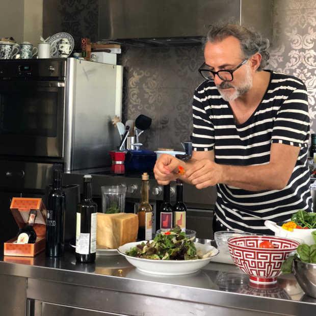 Massimo Bottura kookt live zijn Pasta Pesto met broodkruimels