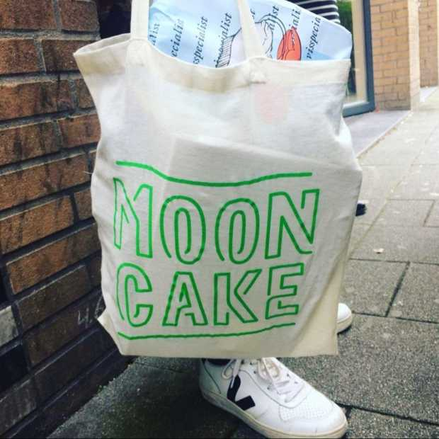 De Mooncake foodiebag viert de externe culinaire invloeden op de Nederlandse keuken