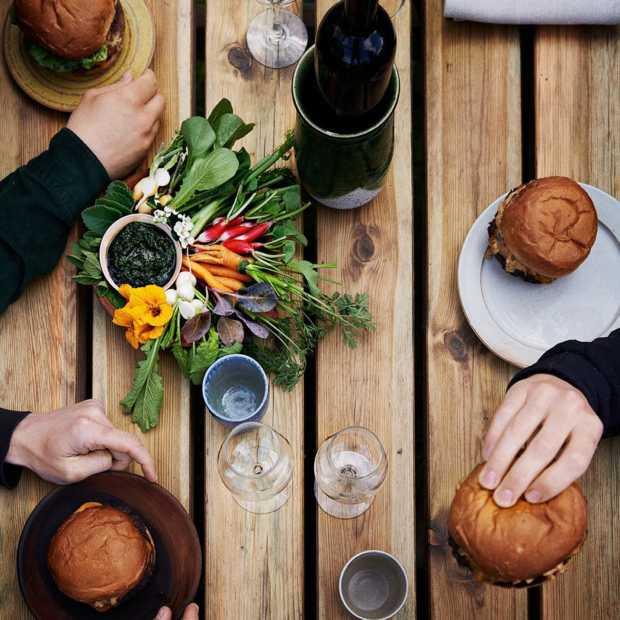 Noma heropent tijdelijk voor iedereen als burger- en wijnbar