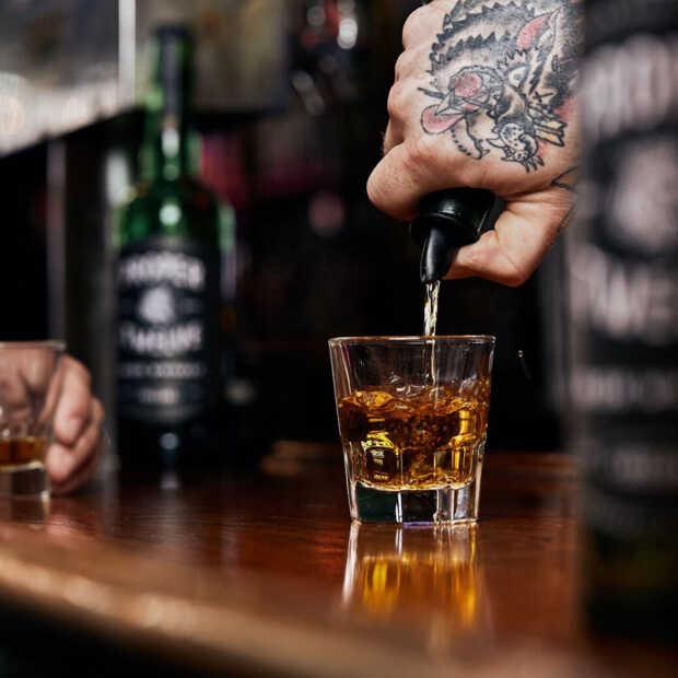 Conor McGregor verkoopt whiskeymerk Proper no. Twelve voor 140 miljoen euro