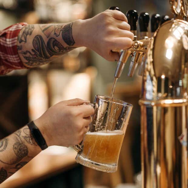 Britten kunnen deze zomer de horeca redden door per persoon 124 halve liters te drinken