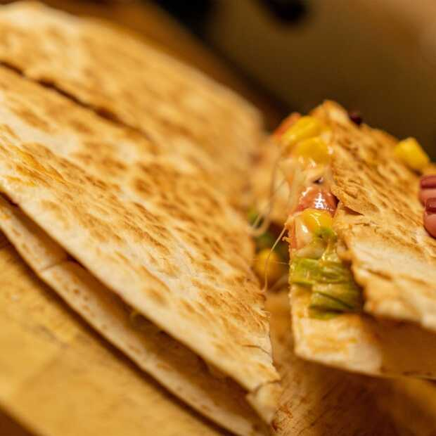 Makkelijke vegetarische quesadillas met homemade guac