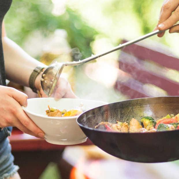 Leuk en gezond: buiten koken met een luxe buitenwok