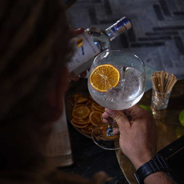 Slagers Gin: een Rotterdamse gin van slagerij Van Linschoten met pit