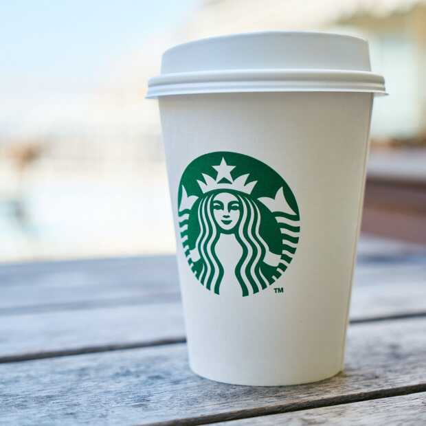 Starbucks wordt vandaag 50 en deelt uit