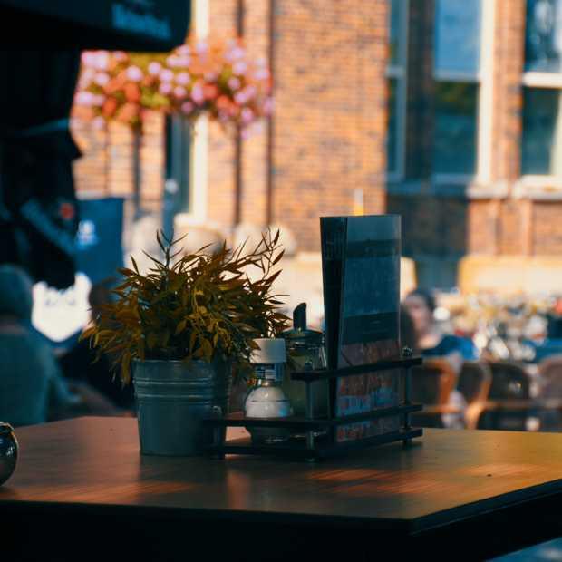 'Tilburgse binnenstad moet tijdelijk een groot openluchtcafé worden'