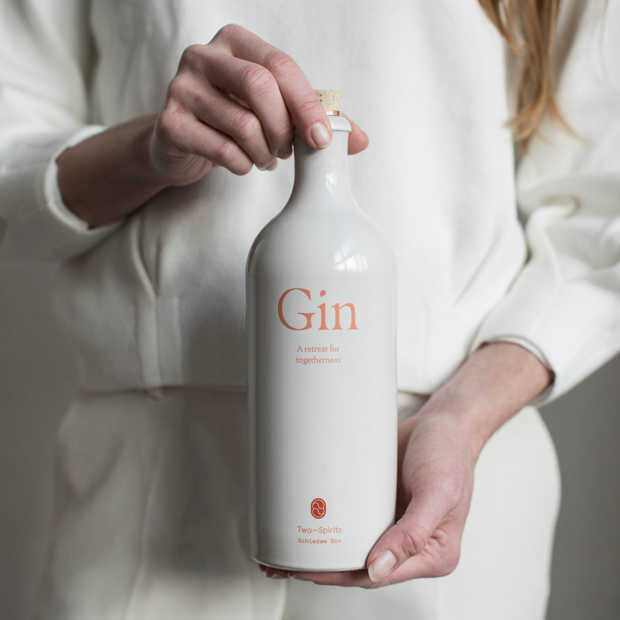 Two-Spirits Gin prikkelt lichaam en geest