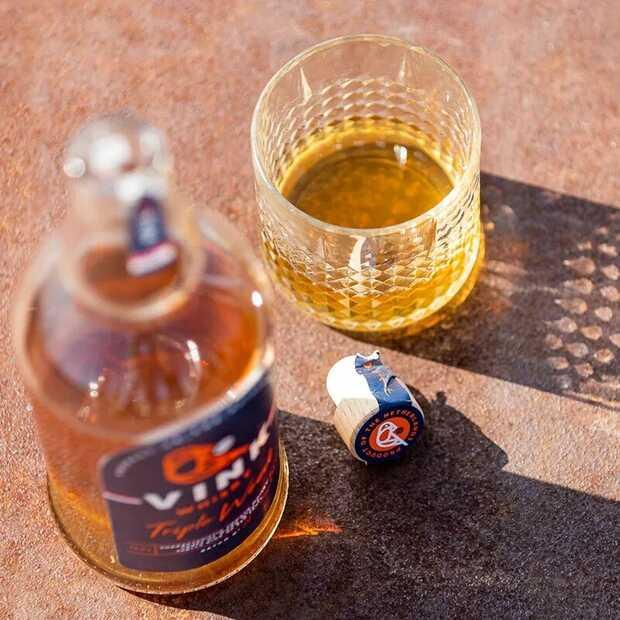 Vink Whisky is een unieke Nederlandse whisky in uitstraling en smaak